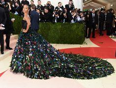 Zoe Saldanain Dolce & Gabbana