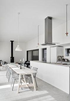 Modern/Rustic Villa located near the sea in Ljugarn on Scotland's east coast Interior Exterior, Kitchen Interior, Interior Architecture, Interior Design, Design Set, House Design, Tiny House, Turbulence Deco, Villa