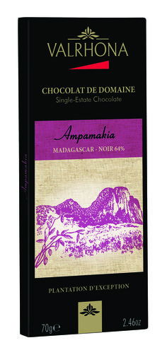 A highly-sophisticated dark chocolate. Its empowering and intense aroma emphasizes a specific bitterness and exceptional long-lasting flavours. 85% cocoa.