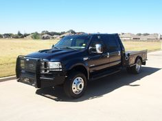 2006+Ford+F-550+Crew+Lariat+4x4+Flat+Bed+with+Skirted+Flatbed+4+boxes+Chassis+57,357+miles.jpg 1,024×768 pixels