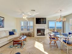 VRBO.com #791257 - Luxury Sailmaker 3 Bedroom Townhome with Breathtaking Views