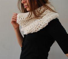 Drop Stitch Cowl in Cream by SpiderWomanKnits, via Flickr, free knit pattern