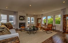 Beautiful hardwood floors and windows on every wall, this family room is a great space to both relax and entertain in. 26 Arcadia Terrace | Santa Monica