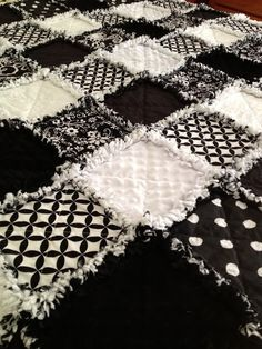 ZeedleBeez: Black and White Rag Quilts