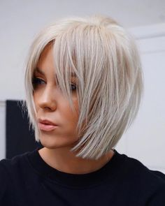 Stunning Medium Layered Bob Hairstyle For Every Woman medium layered bob hairstyle;bob hairstyles for fine hair;short hairstyle trending hairstylesmedium layered bob hairstyle;bob hairstyles for fine hair;short hairstyle trending hairstyles Bob Hairstyles For Fine Hair, Layered Bob Hairstyles, Short Bob Haircuts, Trending Hairstyles, Pixie Hairstyles, Short Hairstyles For Women, Black Hairstyles, Pretty Hairstyles, Short Straight Hairstyles