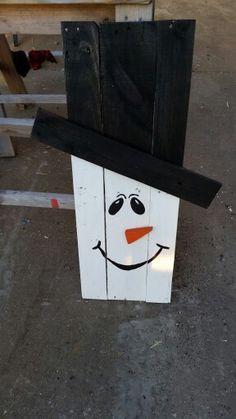 Pallet Snowman.