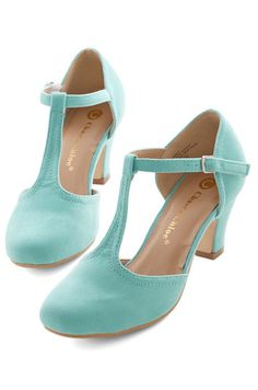 sweet t-strap heels http://rstyle.me/n/iwnknpdpe