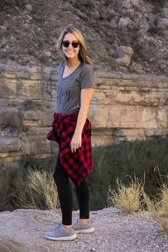 Big Bend Hike | hiking style | hiking clothes for women | casual walking outfit