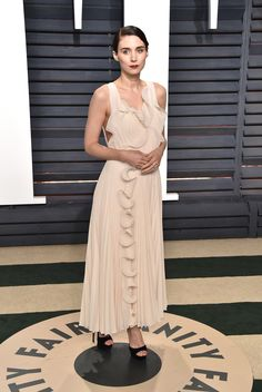 Rooney Mara in H&M Conscious Collection attends the 2017 Vanity Fair Oscar Party hosted by Graydon Carter