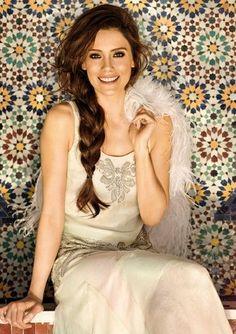 Turkish actress Cansu Dere