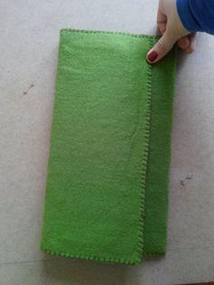 Yeşil keçe çanta