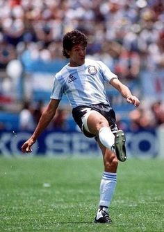 Jorge Burruchaga of Argentina in action at the 1986 World Cup Finals. All Star, World Cup Final, Kids Soccer, Yesterday And Today, Football Players, Fifa, Legends, Mexico, Action