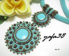 Takıntı... Bead Embroidery Jewelry, Beaded Embroidery, Beaded Jewelry, Handmade Jewelry, Beaded Necklace, Beaded Bracelets, Earring Tutorial, Beaded Brooch, Seed Bead Earrings