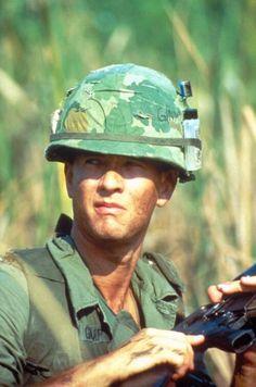 Tom Hanks Forrest Gump, Forrest Gump 1994, Vietnam History, Vietnam War Photos, Vietnam Map, Great Films, Good Movies, Star Wars, Classic Movie Stars