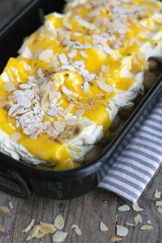 Tiramisu with egg nog- BrendaKookt. Ricotta Dessert, Pie Dessert, Easy Cake Recipes, Sweet Recipes, Dessert Recipes, I Love Food, A Food, Food And Drink, Mini Desserts