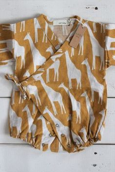 Brown Giraffe Baby Kimono Wrap, Linen by Zebi Boho Baby Clothes, Gender Neutral Baby Clothes, Baby Kids Clothes, Little Fashion, Baby Girl Fashion, Kids Fashion, Baby Kimono, Baby Dress, Sewing For Kids