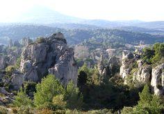 Paysage dolomitique, le Cirque de Mourèze. Hérault, France. CC-BY-SA Hugo Soria #cirque #herault
