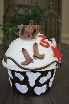 @Cassie Jones-- Makes me think of Wil! Cowboy Giant Cupcake by My Sweet Cakery, via Flickr