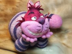 Needle Felted Cheshire Cat by Sharon May on www.livingfelt.com/blog
