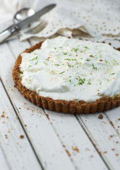Tarte à la lime (Key Lime Pie) - Trois fois par jour Pie Recipes, Baking Recipes, Dessert Recipes, Keylime Pie Recipe, Sweet Pie, Key Lime Pie, Snack, Just Desserts, Cupcake Cakes