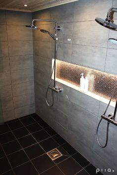 60 Shower Heads Ideas You Will Love - Enjoy Your Time 28 Bathroom Lighting Ideas to Brighten Your Style Bathroom Renos, Bathroom Renovations, Bathroom Interior, Small Bathroom, Master Bathroom, Bathroom Ideas, Shower Ideas, Light Grey Bathrooms, Bathroom Hacks