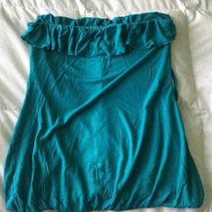 Strapless top Aqua blue strapless top, can go with a belt Rue 21 Tops