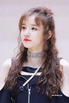 an iconic duo! Kpop Girl Groups, Korean Girl Groups, Kpop Girls, Extended Play, K Pop, Soo Jin, Fandoms, Cube Entertainment, Soyeon