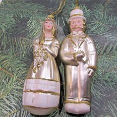 Lauscha Glas Glass Ornaments BRIDE and GROOM Wedding  Germany  Gold and Ivory Merry Christmas 2017, Christmas Fun, Christmas Ornaments, Wedding Groom, Glass Ornaments, Toys, Germany, Ivory, Bride