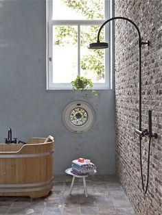 Badkamer, verbouwde woonboerderij | VIVA VIDA