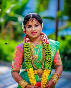 Tired of scrolling through a bunch of pages to find that perfect blouse designs? Check out the top most South Indian blouse designs to pair with a kanjeevaram saree- Eventila Indian Wedding Flowers, Flower Garland Wedding, South Indian Blouse Designs, Blouse Neck Designs, South Indian Weddings, South Indian Bride, Saree Jewellery, Bridal Makeover, Ornaments Ideas