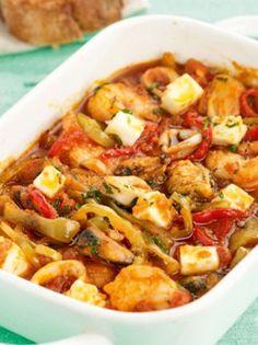 saganaki-me-piperies-anoigma Greek Recipes, Fish Recipes, Seafood Recipes, Cookbook Recipes, Cooking Recipes, Eat Greek, The Kitchen Food Network, Greek Cooking, Croatian Recipes