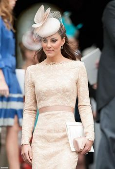HRH The Duchess of Cambridge. Alexander Mcqueen Kleider, Alexander Mcqueen Dresses, The Duchess, Duchess Of Cambridge, Looks Kate Middleton, Pippa Middleton, Duchesse Kate, Lace Dress, Dress Up