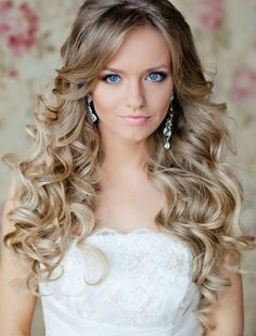 Simple Long Bridal Hairstyles For Curly Hair.