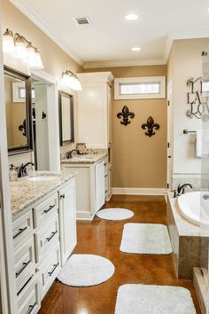 Plan 3 Bed Acadian House Plan With Bonus Room – Home decoration ideas and garde ideas Walking Closet, Master Bathroom Layout, Small Bathroom, Bathroom Ideas, Modern Bathroom, Bathroom Organization, Bathroom Designs, Bathroom Inspiration, Master Bathroom Plans