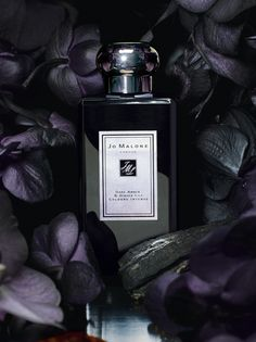 Jo Malone Dark Amber & Ginger Lily Cologne Intense | Rare Kyara wood. Prized in the Kohdo ceremony, the highly ritualised Japanese art of incense appreciation. Enriched with amber and black orchid. Illuminated by the clean sensuality of black cardamom, ginger and water lily. Calm and relaxing.