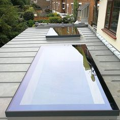 Suitable for left and right portion of flat roof. A sleek XACT Pure Glass Flat Roof Light installation in Chislehurst 💙 - Find out more about this product in the link in bio ↑ - or tap the image to go to our website! Kitchen Extension Flat Roof, Glass Roof Extension, House Extension Design, Flat Roof Design, Extension Ideas, Rear Extension, Garden Room Extensions, House Extensions, Loft Conversion Roof