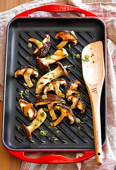 Le Creuset rectangular grill  http://rstyle.me/n/u9q9epdpe