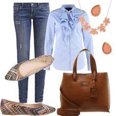 Un outfit pratico ed informale per tornare al lavoro. Jeans slim fit, abbinato ad una camicetta azzurro rigata con motivo di jabot. Ballerina in fantasia multicolore. Shopping bag color cuoio. Completano l'outfit delicati orecchini e collana color pesca.