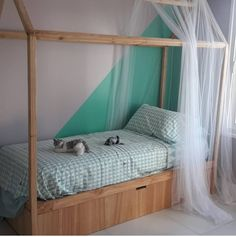 Cama Catalina Montessori con carro. En madera paraíso. Compra online en CASA OSLO Decor, Furniture, Outdoor Decor, Toddler Bed, Outdoor Bed, Outdoor Furniture, Home Decor, Bed