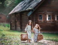 Two lovely little friends ♥ // Photography by ИРИНА НЕДЯЛКОВА (Irina Nedyalkova)  ~~ (@nedyalkovairina) • Instagram photo