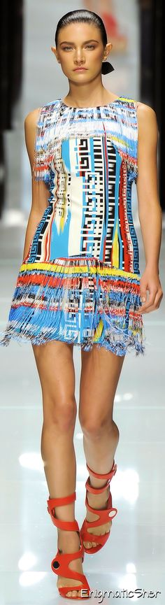 Versace Spring Summer 2011 Ready-To-Wear