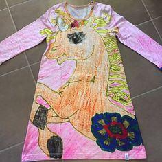 We Love unicorns 🦄🦄🦄 Unicorns, Disney Characters, Fictional Characters, Aurora Sleeping Beauty, Disney Princess, Art, Art Background, Kunst, A Unicorn