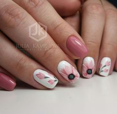Semi-permanent varnish, false nails, patches: which manicure to choose? - My Nails Spring Nails, Summer Nails, Cute Nails, Pretty Nails, Hair And Nails, My Nails, Tulip Nails, Easter Nails, Girls Nails