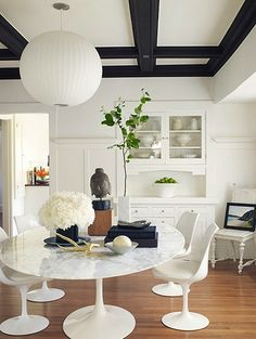 round marble table & tulip chairs