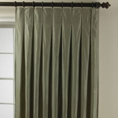 Box/inverted pleat curtains