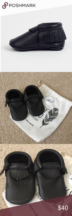 Freshly Picked baby moccasins New, never worn, gender neutral black leather Ebony moccasins by Freshly Picked. Size 4 and is recommended for an 18-24 months old child. Original dust bag included. Currently selling on their website for $49. Please ask questions 💫 Freshly Picked Shoes Moccasins
