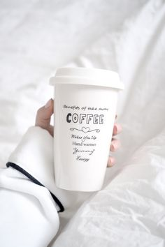 My coffee mug from Riviera Maison: http://www.idealista.fi/charandthecity/2017/02/10/etatyo/
