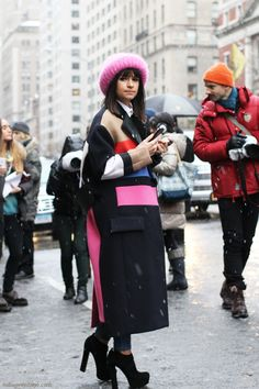 I knew it, someone would wear this coat for this fashion week. And of course, none other than Miroslava Duma. #NYFW