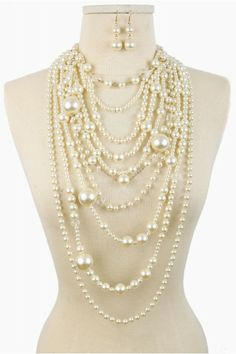 ROCOCO STYLE PEARL NECKLACE