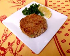 Salmon Croquettes with Simple Tartar Sauce - Delicious Obsessions Canned Salmon Recipes, Seared Salmon Recipes, Baked Salmon, Sauce Recipes, Raw Food Recipes, Seafood Recipes, Cooking Recipes, Fish Recipes, Cod Filet Recipes